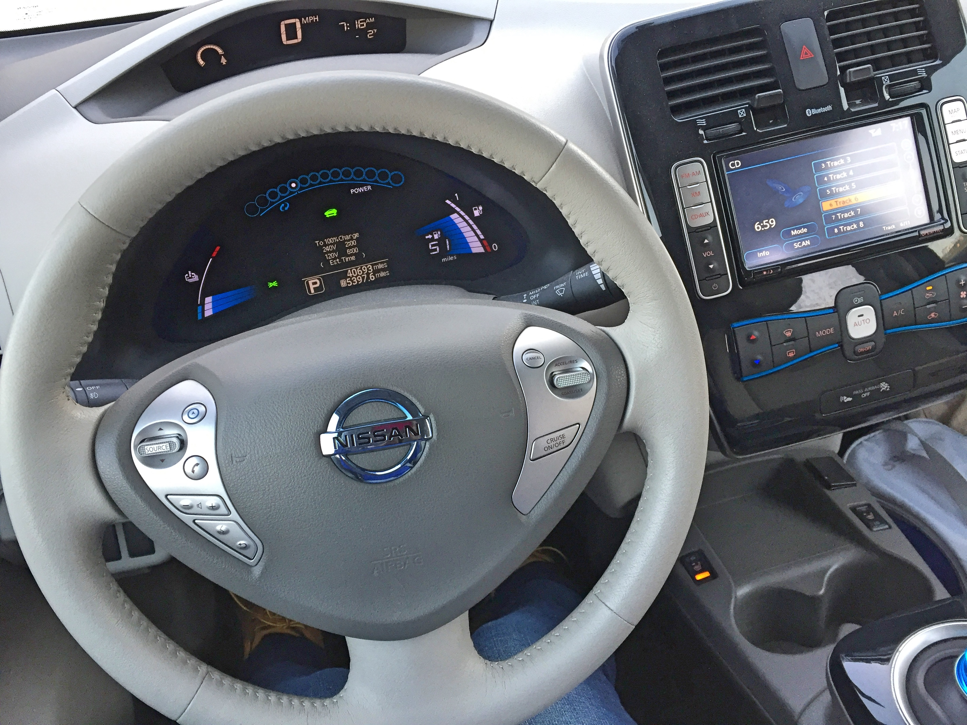 test leaf of car review sl nissan electric expert drive